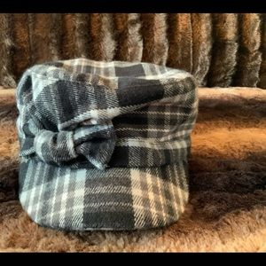 D&Y PLAID HAT WITH BOW